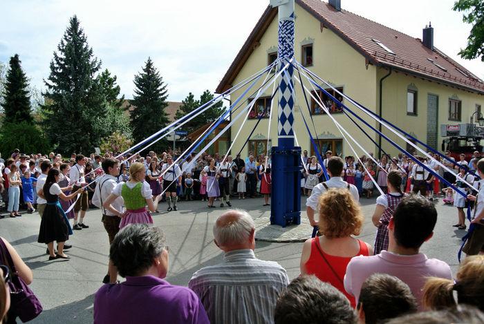 maibaum dance bavaria