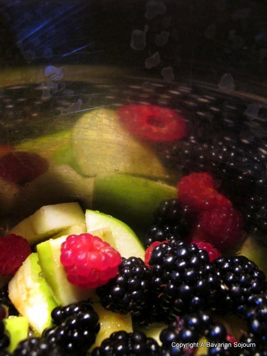 blackberry and apple cobbler