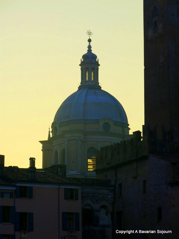 Sunday Photo – Sunset Mantova