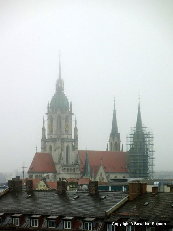Sunday Photo – Foggy Munich