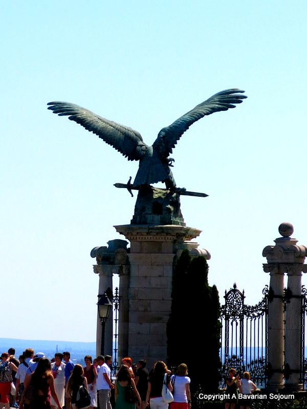 tural bird statue buda castle