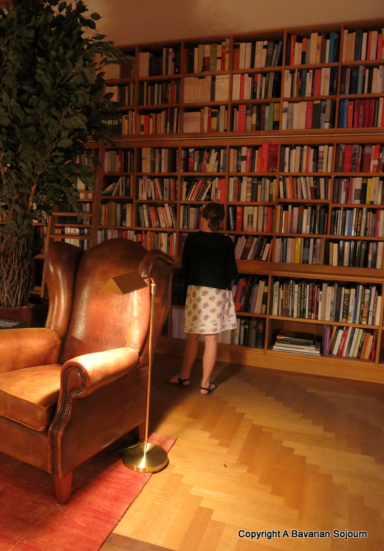 schloss elmau library