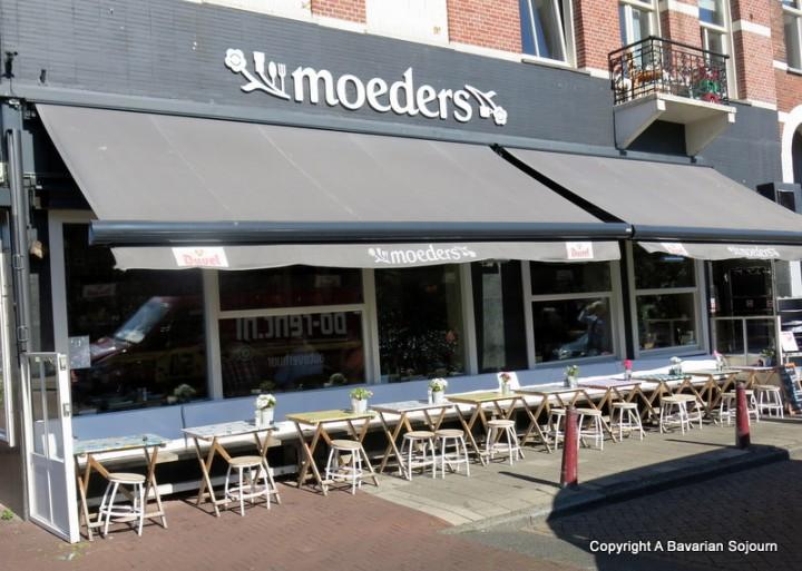 Moeders – Amsterdam