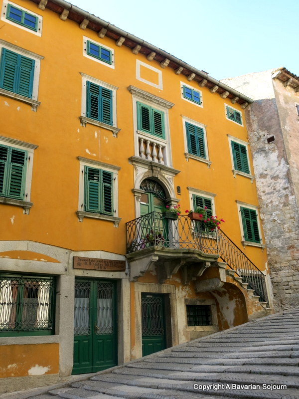 labin buildings