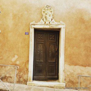 bonafacio door