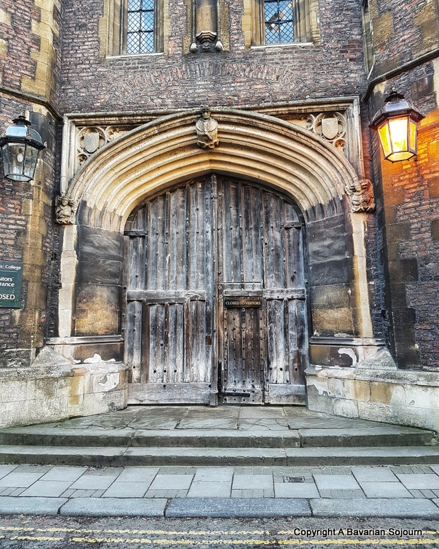 Sunday Photo – Cambridge Doors