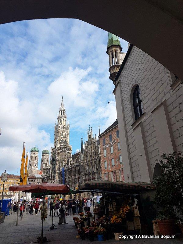 Saturday morning Marienplatz