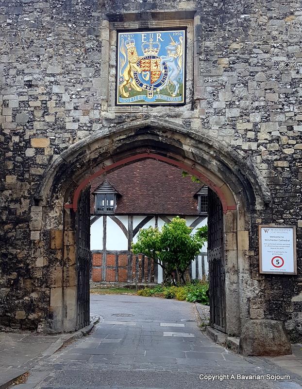 Winchester - Prior Gate