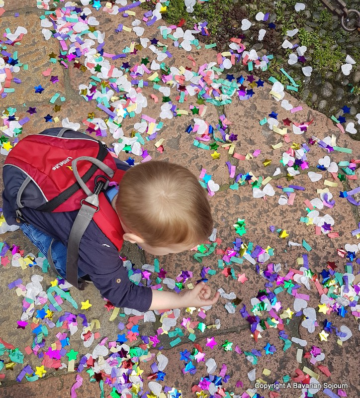 graduation confetti milan