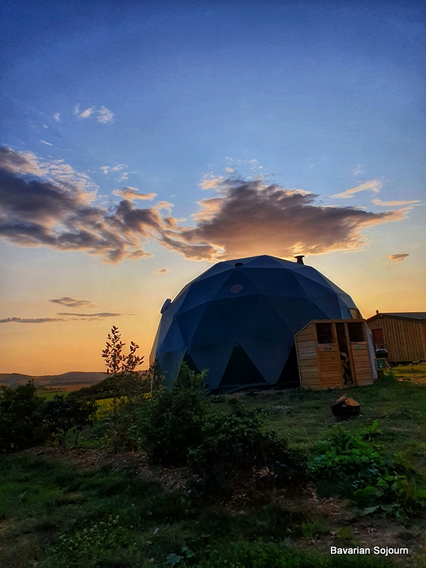 Toms Eco Lodge Dome Meadow
