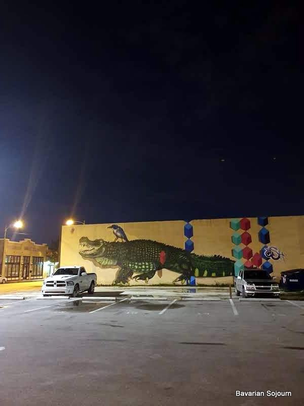 alligator graffiti tampa
