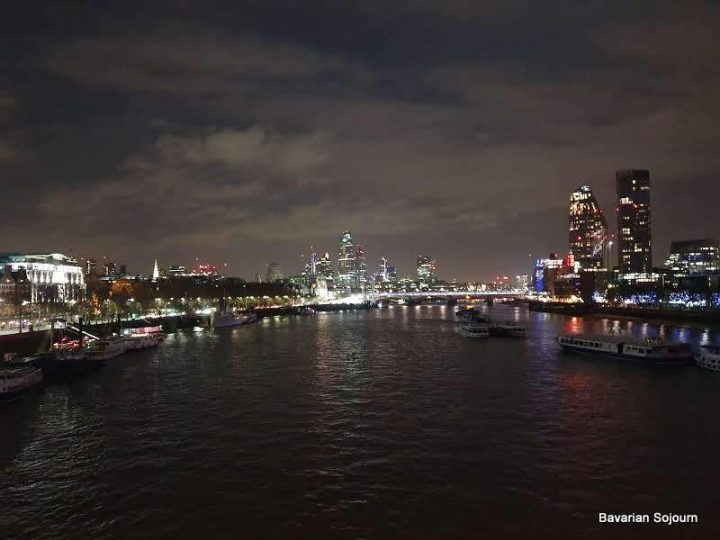 Waterloo Bridge by night