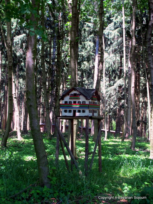 Sunday Photo – Bavarian Birdhouse