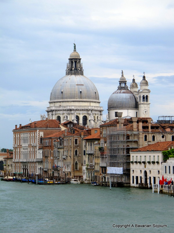 Pictures From a Morning's Walk – Venice in the Rain…