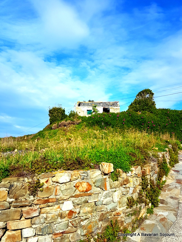 Sunday Photo – Abandoned Fisherman's Hut – Asturias