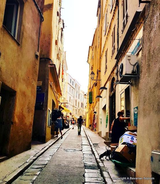 Sunday Photo – Shopping Day – Corsica