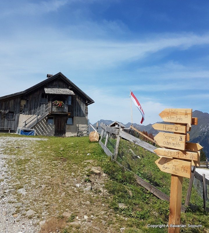Exploring MountainAdventureWorld in Racines